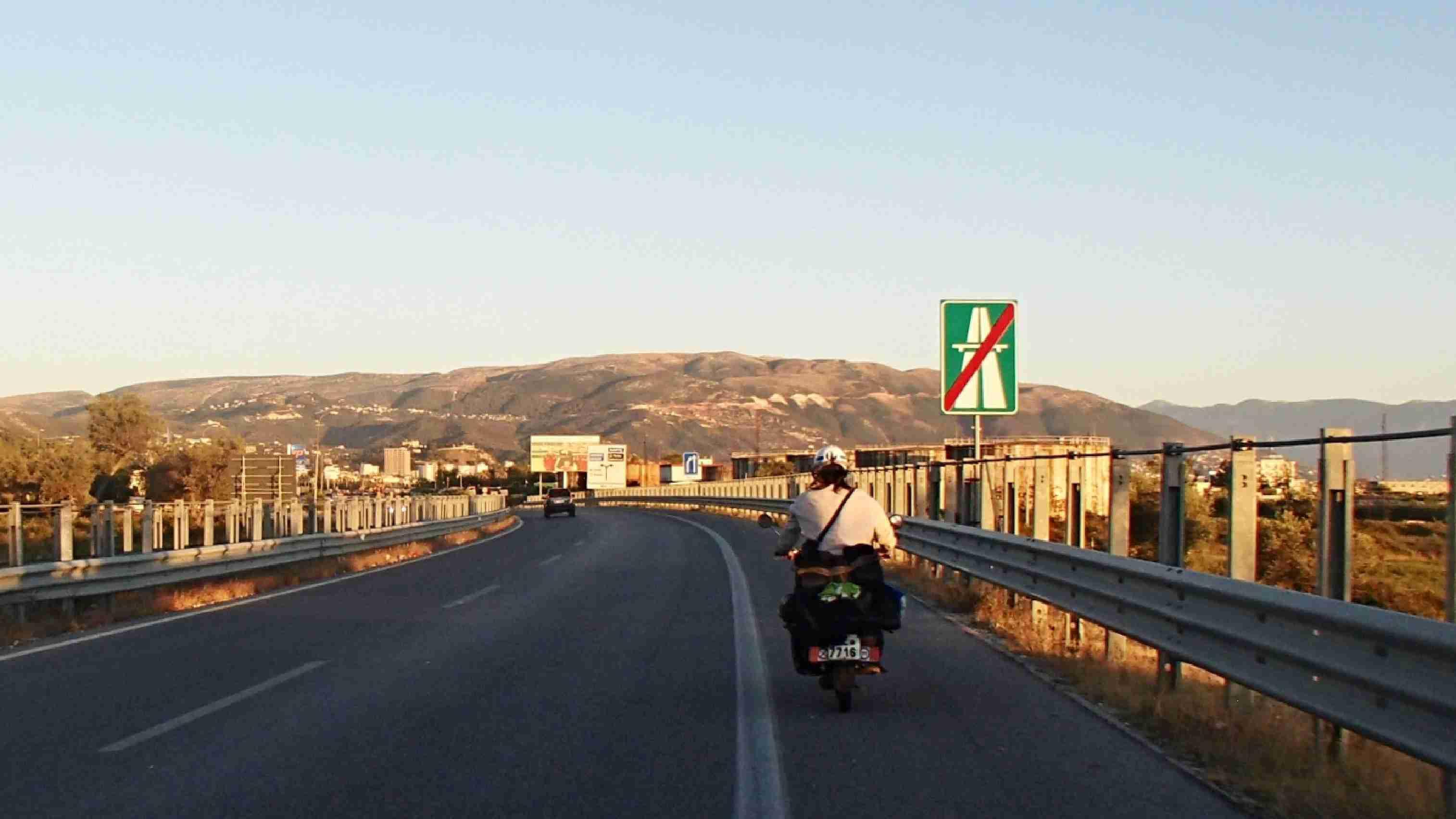 Balkán na Jawách, jawa pionýr, jawa mustang, jawa 50, moto výlet, na Balkán, s jawou na cestách, dobrodruzi na fichtlech, chorvatsko, bosna a hercegovina, černá hora, albánie, řecko, makedonie, kosovo, srbsko, liberland, maďarsko