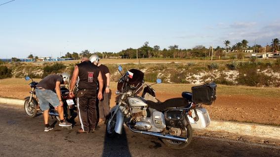 S Jawou na cestách Jawa na Kubě Kuba Havana na Jawách dobrodruzi Michal Franc